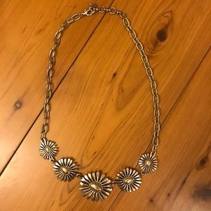 Fossil brand daisy necklace